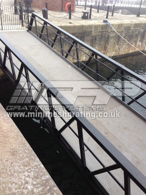Grp Mini Mesh Grating For Non Slip Marina Decking Amp Pontoons